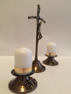 Хрест з набором свічок